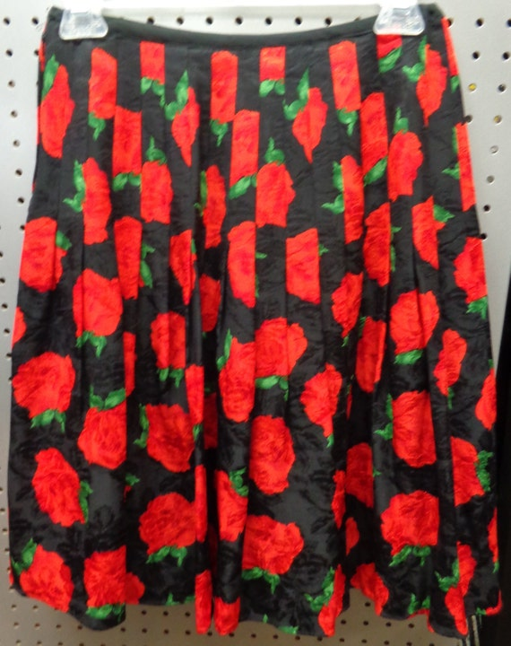 1980's Skirt Pleated Rose Print Flared Flirty