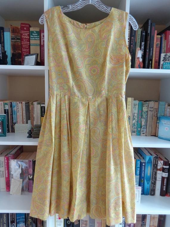1960's Dress Paisley Print Pleated - image 3