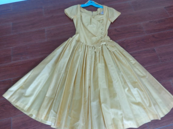Suzy Perette VINTAGE 1950's Gold Pleated Buttons &