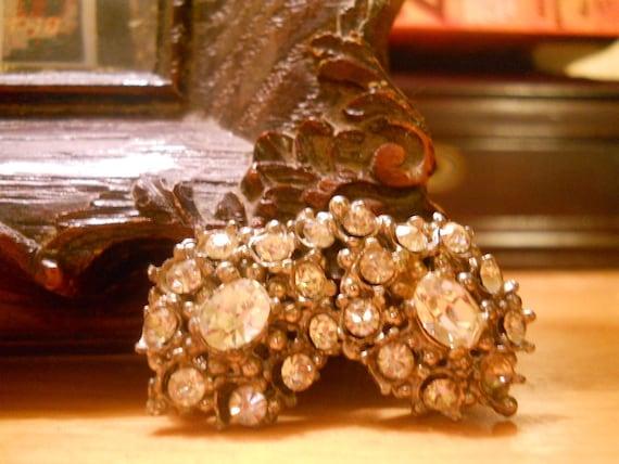 Vintage Rhinestone Clip Earring
