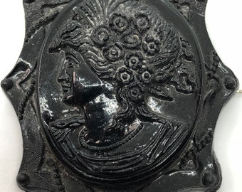 Vintage Black Cameo Brooch