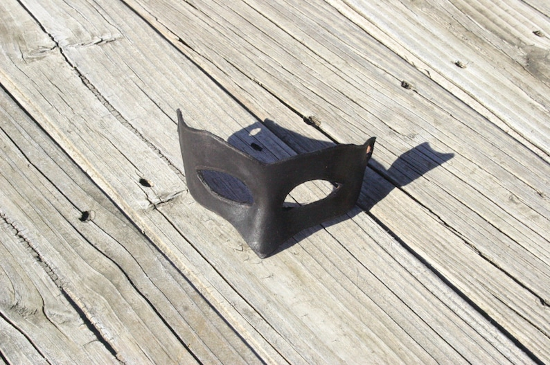 Dread Pirate Roberts Mask image 0