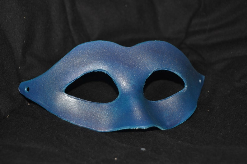 Silver blue leather masquerade mask image 0
