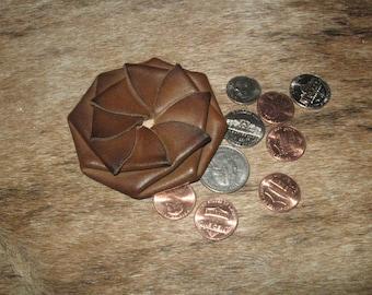 Classic twist design coin pouch