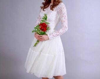 1950s wedding dress . 50s cupcake length lace illusion wedding dress . Sweet Summer Bride Ballet Wedding Dress