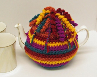 Crochet pattern for Tea Cosy / Cozy trimmed with spirals and braids - INSTANT DOWNLOAD .pdf