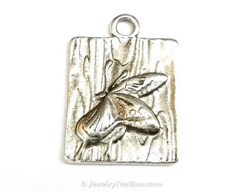 Butterfly Pendant, Antique Silver Butterfly, Lead Free,  34.5x24x3mm, 3.5mm Loop, Lot Size 4 to 15, #2149 BY