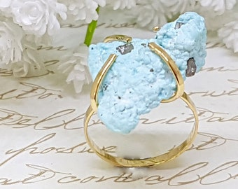 Gold Turquoise Ring, Raw Turquoise Ring, Rough Turquoise Ring, December Birthstone Ring, Gold Gemstone Ring, Gold Statement Ring, Blue Ring