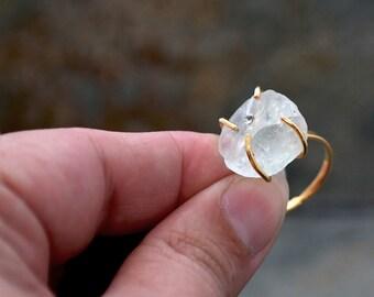 Fluorite brute bague, bague en pierre brute, anneau de Pierre empilable, bague Solitaire, cadeau pour elle, Boho Chic bague, bijoux, bague Solitaire