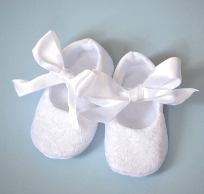 89daf11134c33 White lace christening shoes, baptism shoes, baby blessing shoes with  ribbon bowtie