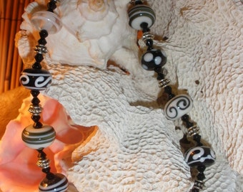 Black and White Lampwork Glass Bead Necklace