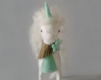 DIY Unicorn Kit. Felt sewing kit. Craft kit. DIY Gift. Stuffed unicorn. Mythical creature. Soft sculpture. White and mint. Felt Animal