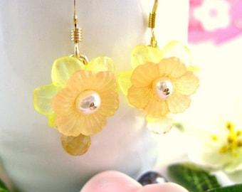 Peach Yellow Cherry Blossom Citrine Mother's Day Earrings - Yellow Resin Sakura Dangle Citrine Earrings - Yellow Bridesmaid Flower Earrings