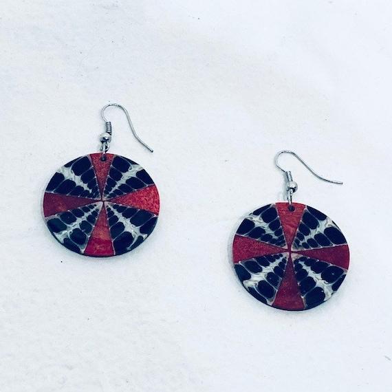 Red Circular Clip On Earrings Swirl Pattern Vintage Earrings Lot 19