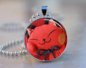 SALE Chinese Red Lucky Cat Art Domed Resin Pendant C165-1M