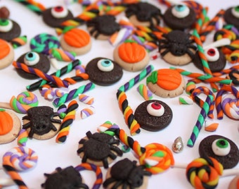 MINIATURE HALLOWEEN LOT of 30 random pieces of cookies, candy, marshmallows, sweets for cupcakes dollhouse miniature