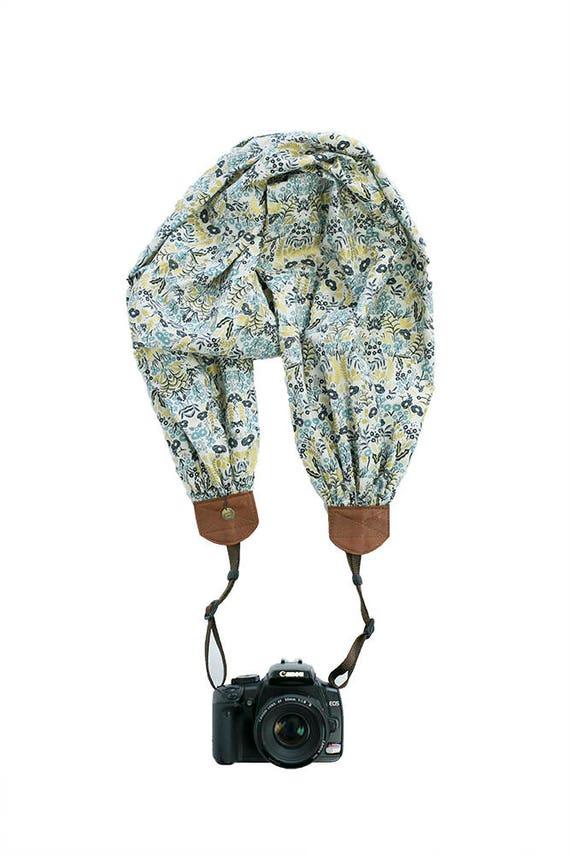 BCSCS116 scarf camera strap winter solstice