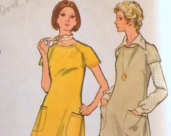 ef9fdfb8c6d1 Vintage Vogue 8354 patch pocket raglan tunic t-shirt pants suit t 1970s  Bust 32.5 nurse uniform waitress Uncut