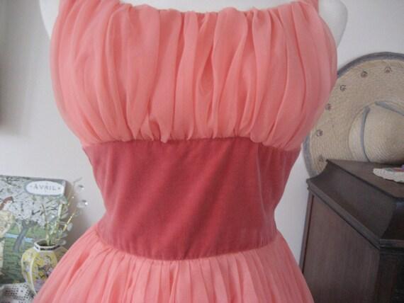 1950s Peach Chiffon Prom Dress - image 3