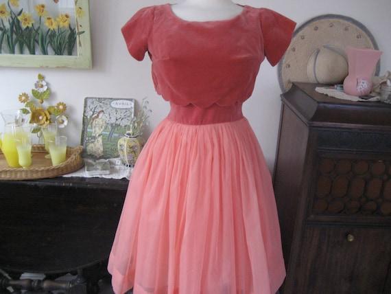 1950s Peach Chiffon Prom Dress - image 2