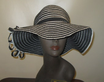6f1a5251ca1 1970 s Original~WIDE Brim~CURLEYQUES~BLACK And White~Striped~Summer Hat ~Bohemian