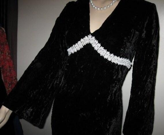 1960's~Empire Waist~Black VELVET~Medieval~Long~Hip