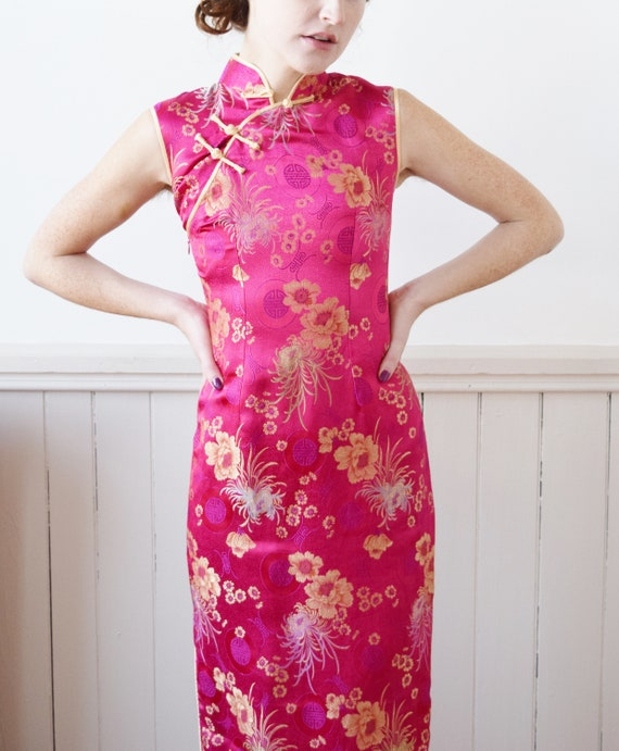 Electric Pink Silk Brocade Cheongsam | 1990s Dres… - image 4