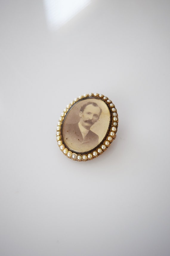 Victorian 14kt Gold and Pearl Portrait Brooch | A… - image 1