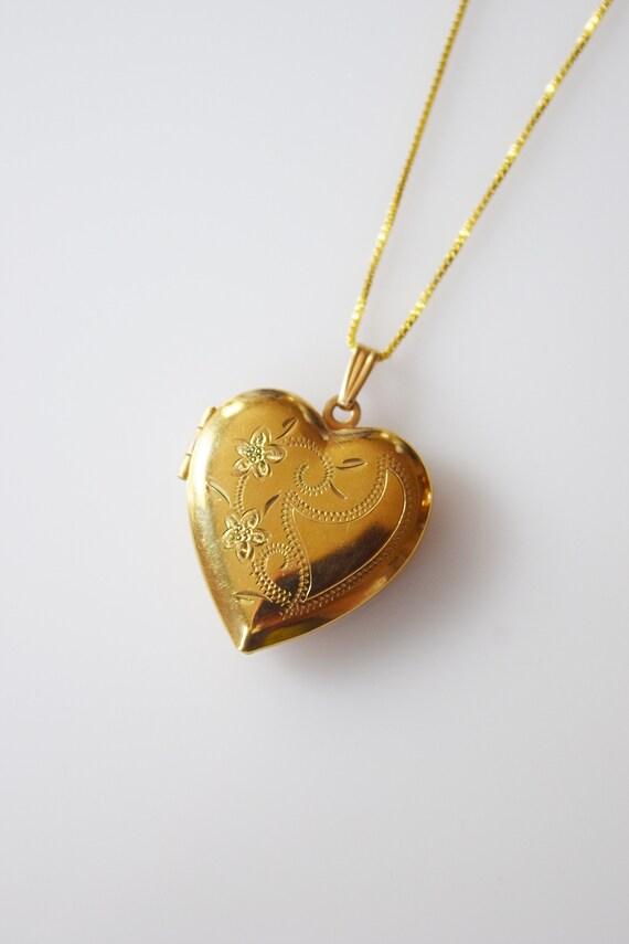 Vintage Heart Shaped Locket | Double Flower Tendri
