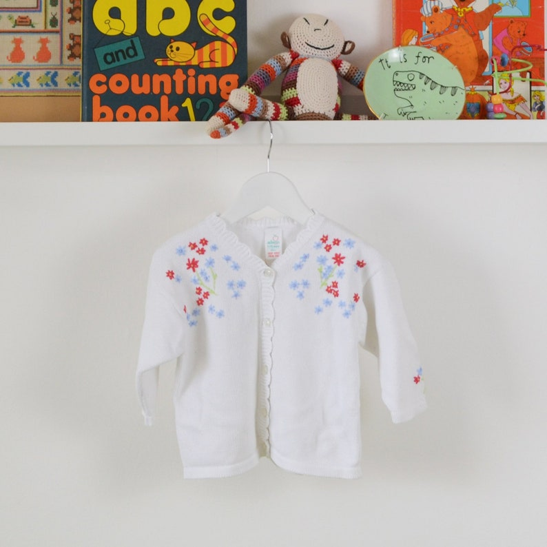 b8fd603fc715 Vintage Baby Cardigan Age 12-18 Months Knitted Cardigan