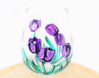 Tulip Wine Glasses, Hand Painted Wine Glasses, painted Tulips, Spring Wine Glasses, Wine Gift, Easter Wine Glass