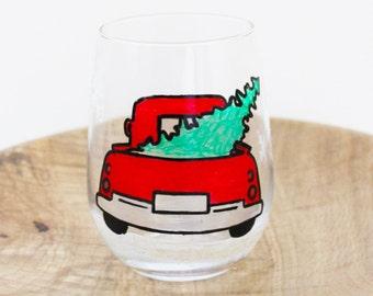 Christmas Tree Vintage Truck, Hand Painted Wine Glasses, Stemless Wine Glasses, Christmas Wine Glasses, Farmhouse decor, Christmas Gift