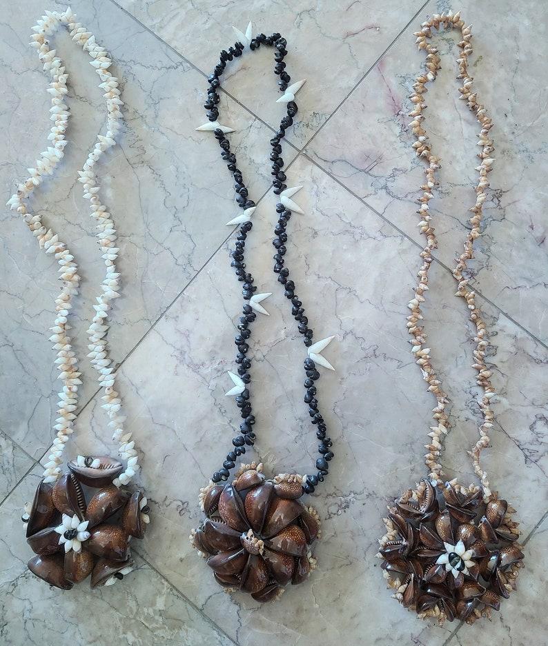 SHIP FREE Tahitian Shell Pendant Necklace 2