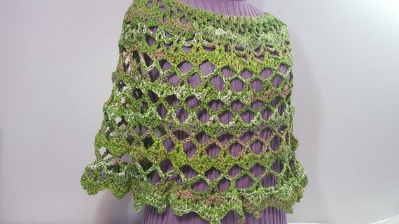 That 70s poncho, retro green poncho, boho chic crochet poncho, crochet caplet, EarthDay crochet poncho