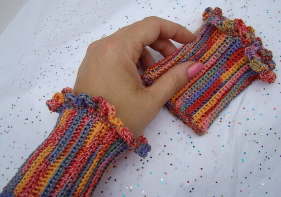 Crochet cuff wrist warmer with scalloped edging in multitude of colors