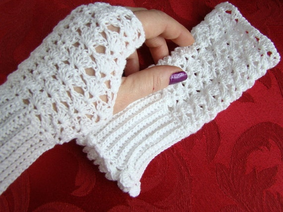 White crocheted cotton lace fingerless gloves