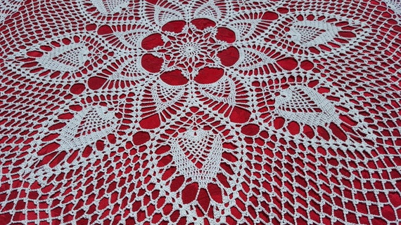 Hand crocheted pineapple passion white tablecloth centerpiece