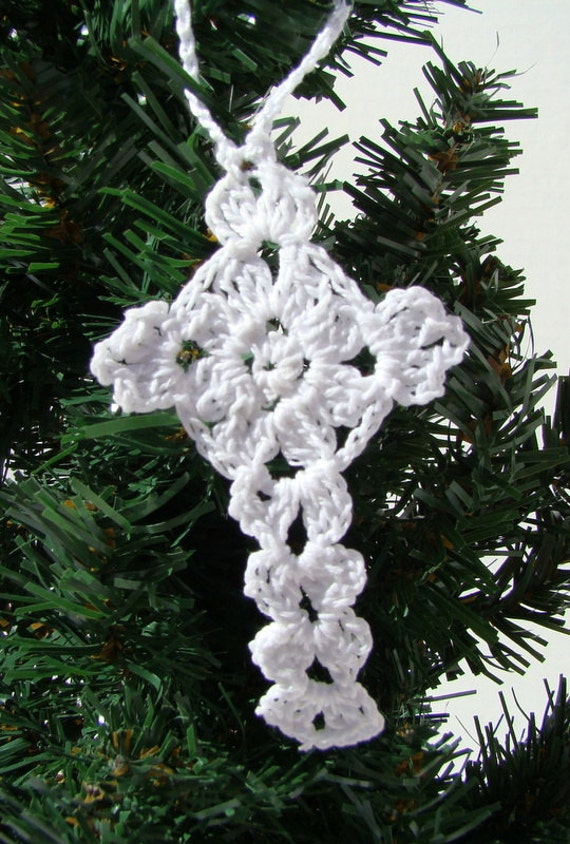 Crochet white Christmas holiday ornaments or gift tags