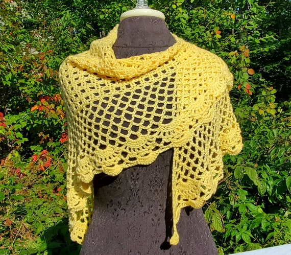 Summer yellow wedding shawl, openwork lace shawl, crochet shawl, Victorian lace wrap, gift for her, bridesmaid accessory, RTS