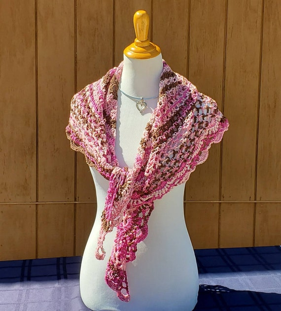 Victorian crochet lace shawlette, Mothers Day caplet, bridesmaids shawl, boho chic shawl, wedding shawl, red carpet shrug, triangular shawl