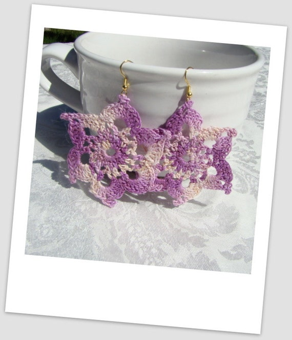 Lavender varigated crocheted star earrings