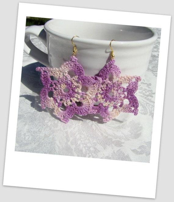 Lavender varigated crocheted star earrings