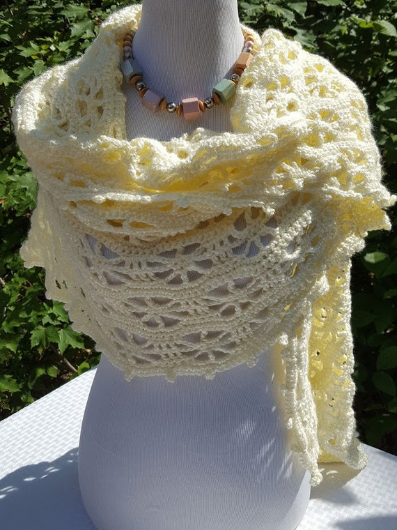 Openwork summer shawl wrap, crochet lace shawl, pinwheel ivory shawl, summer wedding shawl, bridesmaids wrap