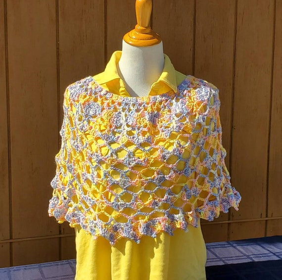 Summer wedding poncho, Easter pullover, openwork lace poncho, summer poncho, evening wrap, 70s retro poncho, leggings accessory, lace poncho