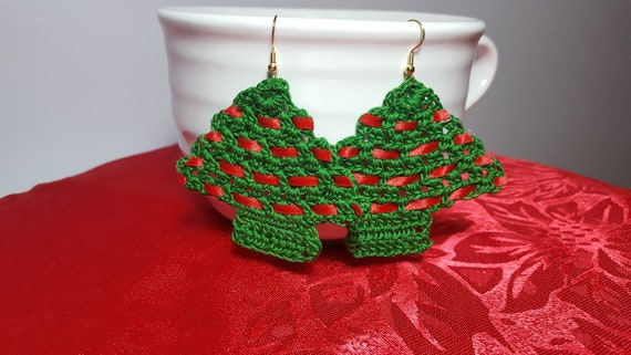 Christmas tree earrings, handmade earrings, crochet earrings, stocking stuffers