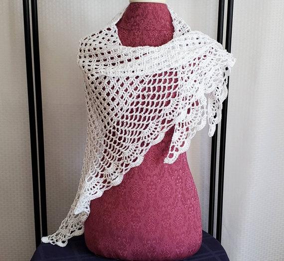 White Wedding shawl, openwork lace shawl, Victorian lace shawl, bridesmaids wrap, beach summer wedding accessory, crochet stole