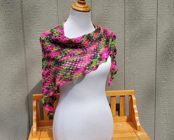 Crochet lace shawlette, lightweight openwork lace shawl, crochet lace shawl, bridal fashion, bridal fashion, bridesmaids wrap