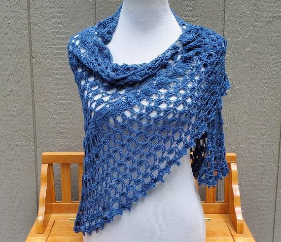 Victorian crochet lace shawl, Mothers Day caplet, bridesmaids shawl, boho chic shawl, wedding shawl, red carpet shrug, triangular shawl