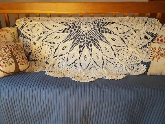 Crochet doily afghan, rose and diamond afghan, handmade crochet round afghan, handmade lace bedspread, OOAK heirloom afghan, circular afghan