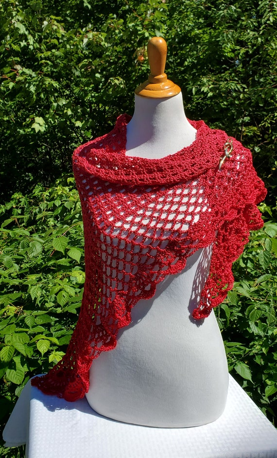 Beach wedding shawl, crochet lace shawlette, Mothers Day caplet, bridesmaids shawl, boho chic shawl, wedding cruise attire, red carpet shrug